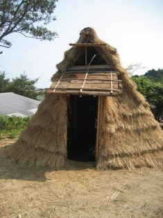 竪穴式住居の完成